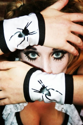 Wrists Printed Spider WB