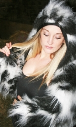 Fur hood shrug BlkWht
