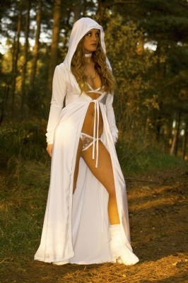 S white hooded cape 8-12