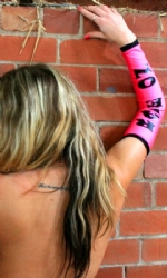 Long Arms Hot Pink/Black
